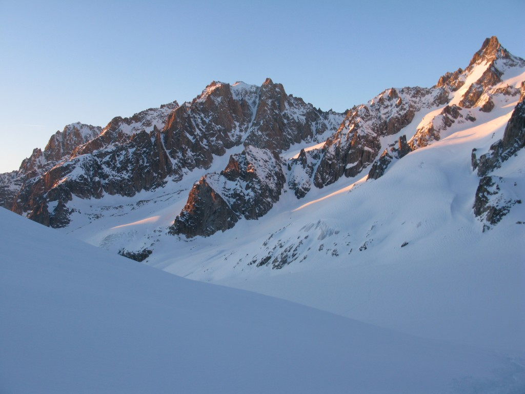 Beautiful views: Aiguille d'Argentiere and the Y couloir, high right Tour Noir
