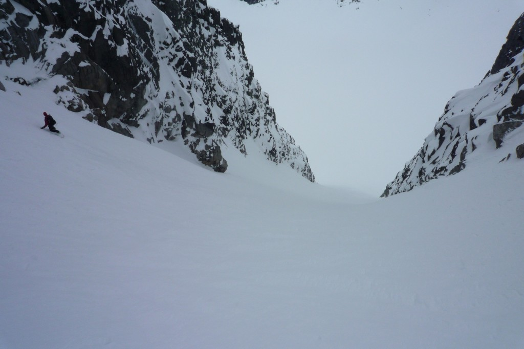 Me skiing the couloir courtesy of Lars Thomas Nordby