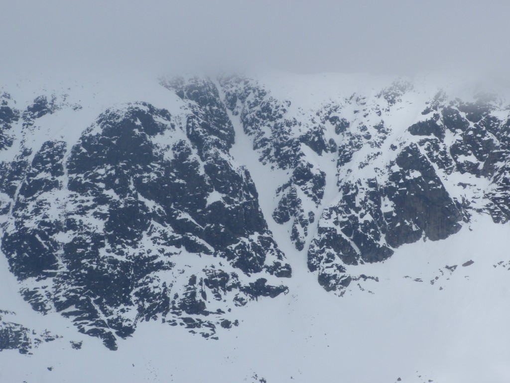 South couloir of Store Soleitind (taken from ridge of Austabottind)