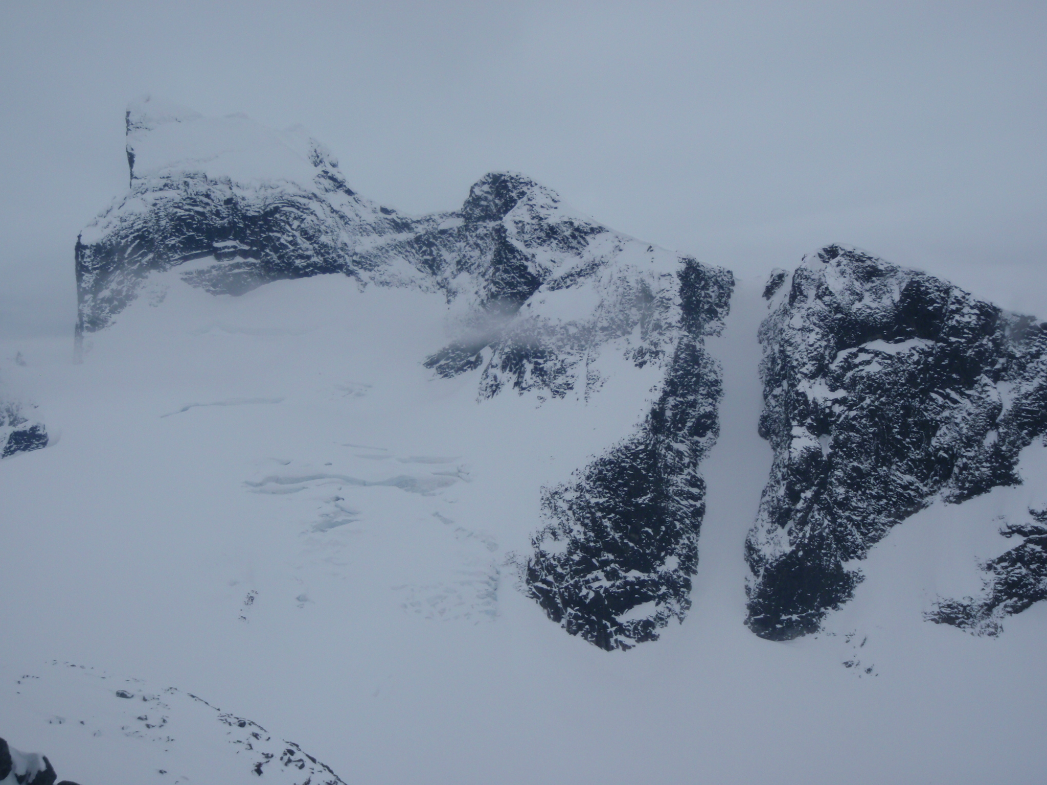 Store Austabottind (2202m) on far left and the North couloir