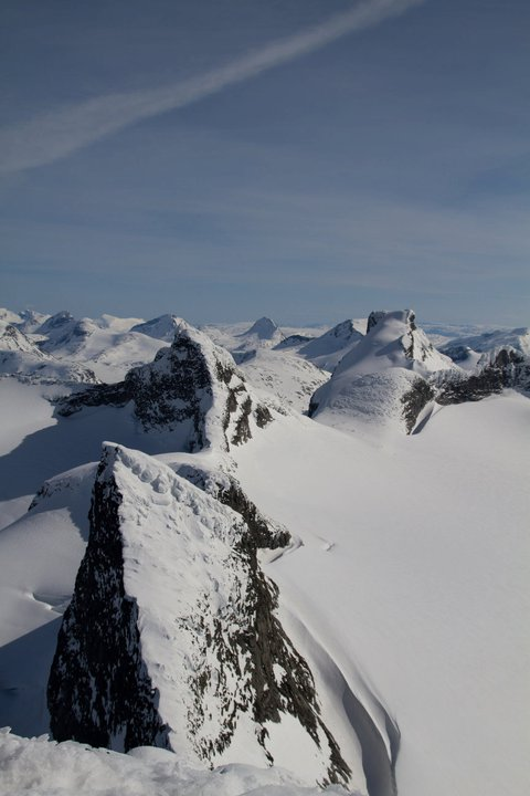 Views from the summit looking south. Picture courtesy of Trond
