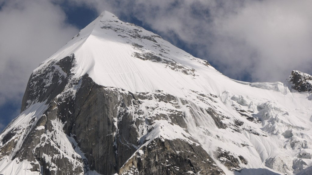 Avalanche on the North West face of Laila Peak courtesy of Edward Wrigglesworth Blanchard